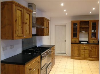 EasyRoommate UK - Newly Refurbished  High Quality Double Room - Kettering, Kettering - £385 pcm