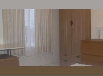 EasyRoommate UK - Double student room to rent in three bedroom house - Stoke, Coventry - £330 pcm