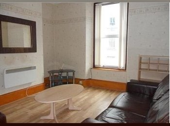 EasyRoommate UK - COSY 1 BEDROOM FLAT available IMMEDIATELY - Aberdeen, Aberdeen - £680 pcm