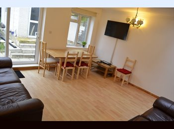 EasyRoommate UK - Large double room in a friendly peaceful house - Northwood, London - £480 pcm