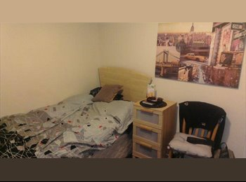 EasyRoommate UK - Excellent cozy single room, in town center! - Barnsley, Barnsley - £325 pcm