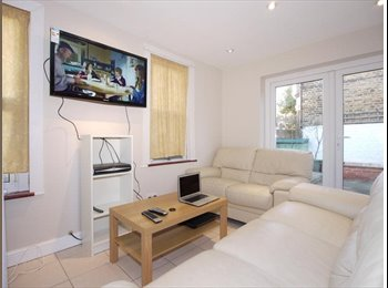 Luxurious rooms close to shops & tube