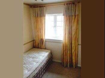 EasyRoommate UK - Single room available in Wavers Marston, Solihull - Marston Green, Solihull - £325 pcm