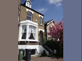EasyRoommate UK - Great big house, airy light room - Kingston upon Thames, London - £650 pcm