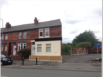 EasyRoommate UK - Room to let in shared house - Great Sankey, Warrington - £325 pcm