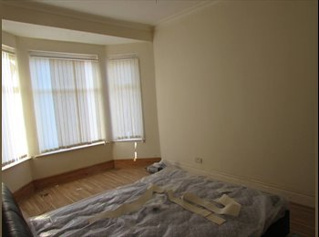 EasyRoommate UK - Nice room, quiet house, nice people - Aigburth, Liverpool - £240 pcm