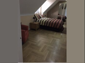 EasyRoommate UK - Private upstairs room available Monday -Friday - Elton, Chester - £399 pcm