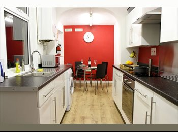 EasyRoommate UK - 1 Bedroom available in Great Student House - Loughborough, Loughborough - £364 pcm