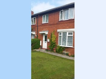 EasyRoommate UK - room available in a 3 bedroom house - Harrogate, Harrogate - £350 pcm