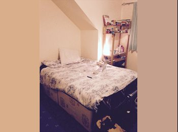 EasyRoommate UK - Double room to rent  - Isleworth, London - £462 pcm