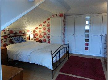 EasyRoommate UK - Large double room on a quiet private estate - Bognor Regis, Bognor Regis - £440 pcm