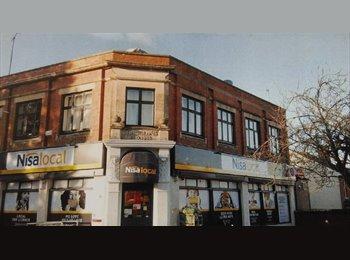 EasyRoommate UK - 2 Bed Flat - Charlton Kings - Cheltenham, Cheltenham - £725 pcm