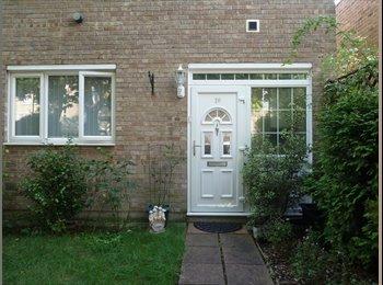 EasyRoommate UK - LARGE single+ PERFECT location+ GOOD price = YOURS, Kidbrooke - £340 pcm