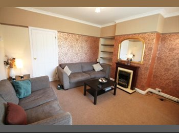 EasyRoommate UK - Single Room Only 170£ July 17 - August 30 - High Heaton, Newcastle upon Tyne - £170 pcm