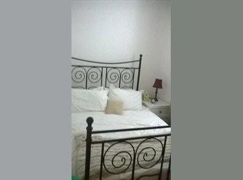 EasyRoommate UK - double room available  - Keynsham, Bristol - £400 pcm
