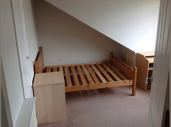 EasyRoommate UK - Room to rent in hampton 5 minutes from station - Hampton, London - £575 pcm