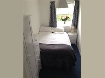 EasyRoommate UK - Light, new double room in Teddington! - Teddington, London - £800 pcm