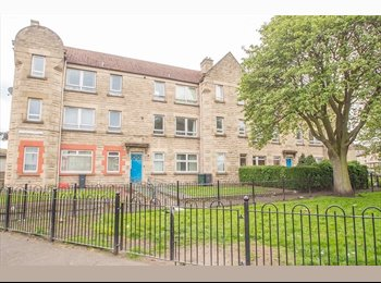 EasyRoommate UK - double room for rent - Edinburgh Centre, Edinburgh - £275 pcm