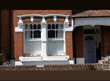 EasyRoommate UK - This is a delightful two double bedroom maisonette - Shepherds Bush, London - £1,880 pcm