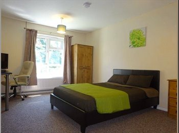 EasyRoommate UK - MASSIVE DOUBLE ROOM **INCLUSIVE** **WI FI** - Derby, Derby - £375 pcm