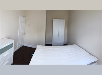 EasyRoommate UK - ~~FANTASTIC HOUSE SHARE~~ - Farnworth, Bolton - £450 pcm