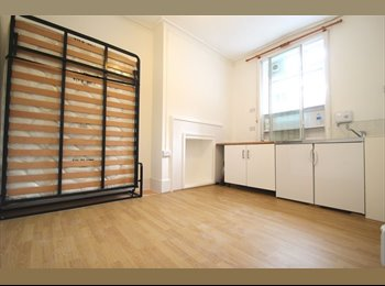 Large double Bedsit -Kings Cross £200pw (All inc)
