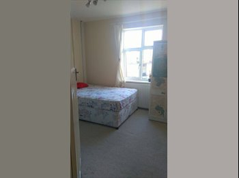 EasyRoommate UK - Great Location All Inclusive Double Room!!! - Fenham, Newcastle upon Tyne - £295 pcm