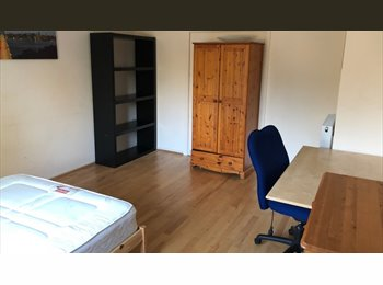 EasyRoommate UK -  Furnished double room 10 min walk from Warwick un - Canley, Coventry - £400 pcm