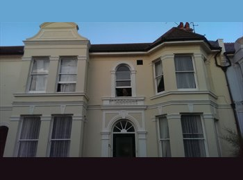EasyRoommate UK - Large room to rent in Hove £410pcm - Hove, Brighton and Hove - £410 pcm