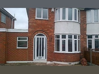 FANTASTIC HOUSE-SHARE IN GREAT LOCATION LOCAL TO BHAM...