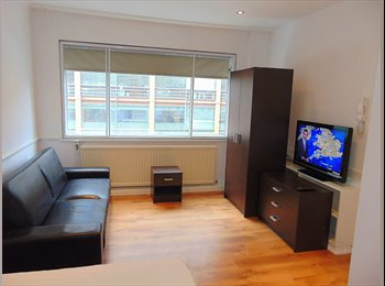 Newly refurbed 3 bed flat 1 min from Victoria St