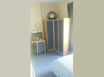 EasyRoommate UK - Spacious Double Room - Clean and Friendly House - Fishponds, Bristol - £351 pcm