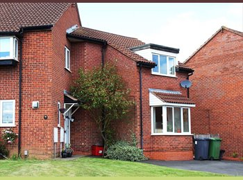 EasyRoommate UK - Leam Spa; double room in 3-bed house, female only - Royal Leamington Spa, Leamington Spa - £390 pcm