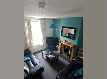 EasyRoommate UK - Bright and Spacious All Inclusive Double Rooms - Reading, Reading - £550 pcm
