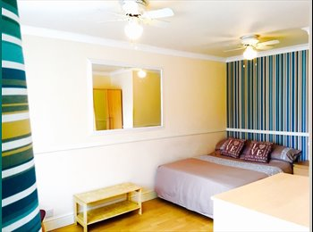 EasyRoommate UK - VERY LARGE DOUBLE ROOM - Leagrave, Luton - £450 pcm