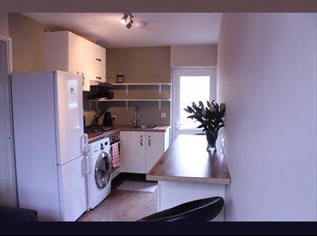 EasyRoommate UK - Double room in Welling - Welling, London - £520 pcm