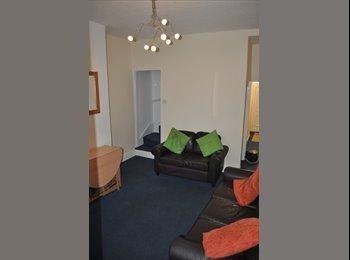 EasyRoommate UK - 4 Double Rooms - A few minutes walk form Bham Uni - Selly Oak, Birmingham - £325 pcm