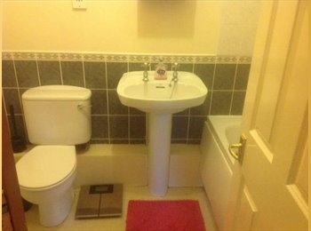 EasyRoommate UK - 1/2 bedroom flat 30 seconds from Kingston station - Kingston upon Thames, London - £1,200 pcm