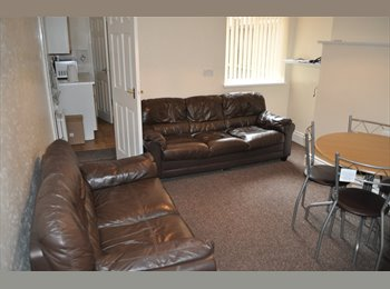 Bedroom Available in Dawlish Road - 5 Mins to Uni!