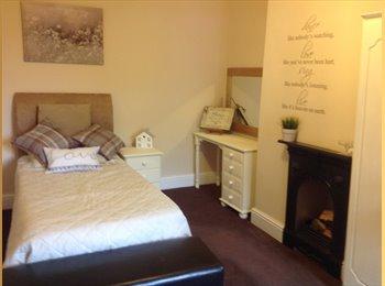 EasyRoommate UK - 2 Beautiful Spacious Cosy Rooms - Calderdale, Calderdale - £340 pcm