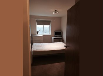EasyRoommate UK - Apartment 2 way share balcony overlooking the River - Chester, Chester - £520 pcm