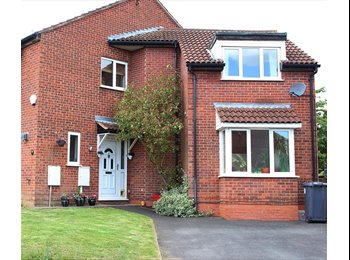 EasyRoommate UK - Single room in 3-bed house, Leam Spa, female only - Royal Leamington Spa, Leamington Spa - £350 pcm