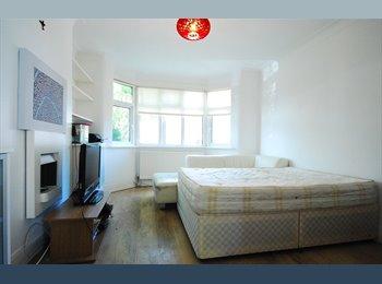 Golders Green - Very Nice, Spacious Room.