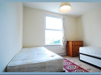 Roomshare Available in a Large Twin Room - £90pw