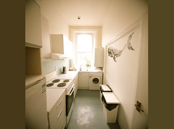 EasyRoommate UK - DOUBLE ROOM IN WARWICK AVENUE/LITTLE VENICE - Maida Hill, London - £866 pcm