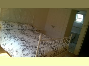 Ensuite bedroom available in Idle BD10