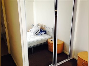EasyRoommate UK - FURNISHED DOUBLE ROOM TO LET - Glasgow Centre, Glasgow - £400 pcm