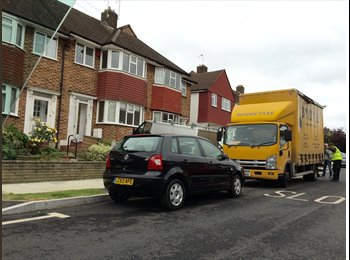 EasyRoommate UK - Clean & Bright Double Room, includes Bills! - Morden, London - £650 pcm