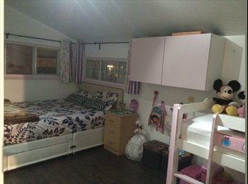 EasyRoommate UK - double room with King size bed near central line - Ruislip, London - £740 pcm