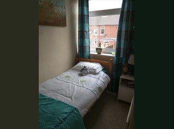 EasyRoommate UK - Single room for let - Pontefract, Wakefield - £200 pcm